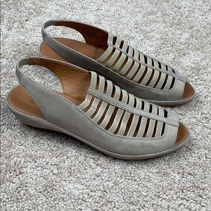 Gentle souls gray open toe wedges 6.5